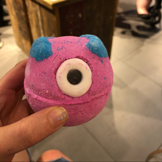 Mosters' Ball bath bomb